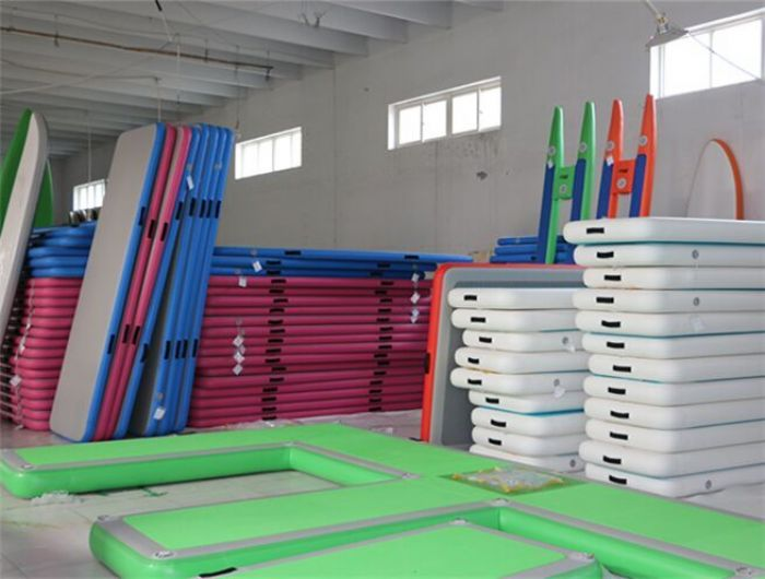 DWF Material Air Track Mat For Water Gymnastic Tumbling Track For Sale