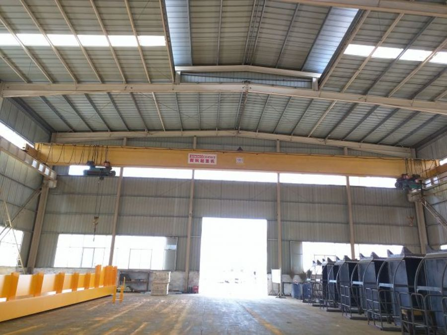 LDA Steel Structure Workshop Roof Traveling Single Girder Overhead Crane With Hoist Lifting